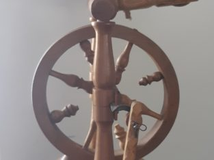 spinning wheel – tiny
