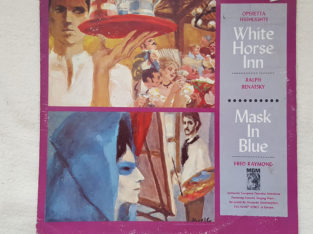 White Horse Inn – Maks In Blue