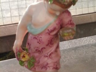 Allach Porcelain Putto Nr. 504