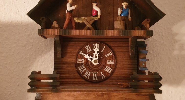 Cuckoo clock – Kuckucksuhr