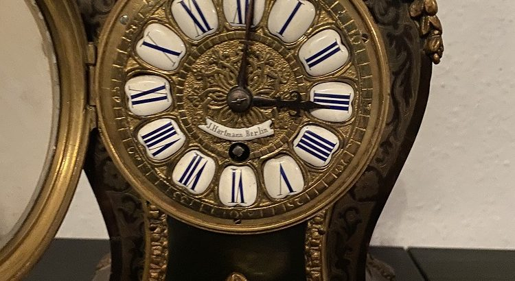 Table clock mantel clock with clockwork Tischuhr