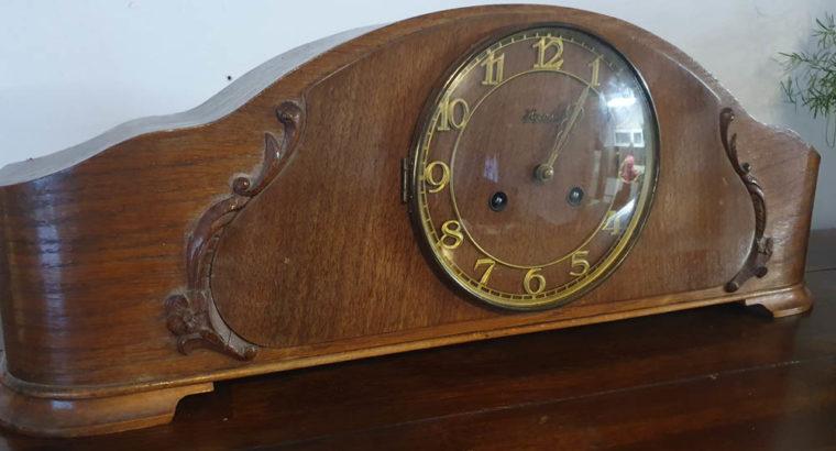 Antique Hermle mantel clock Antike Hermle Kaminuhr