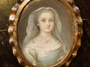 brooch portrait – YVELINE Paris